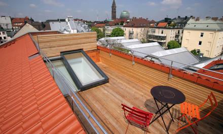 Paluba na hřebeni střechy